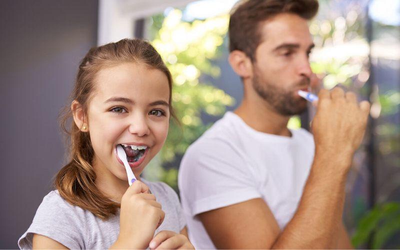 Dental Clinic Group - Limpieza dental familia